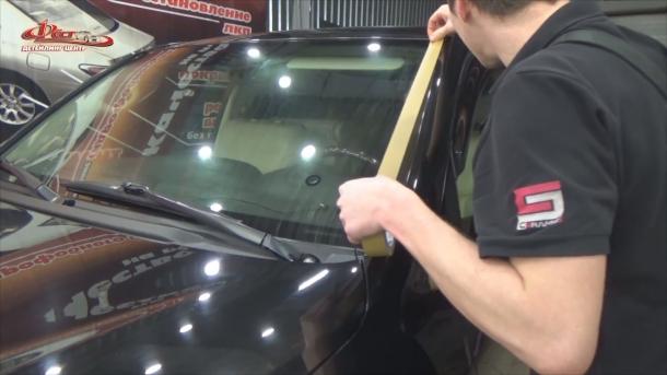 Оклейка (маскирование) кузова автомобиля при помощи малярного скотча