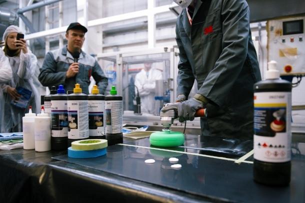 Процесс нанесения незамерзающей полировальной пасты 3М серии NF